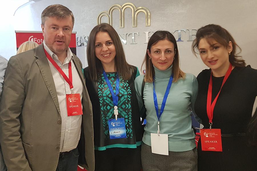 Ларионова Л.Ю. и команда